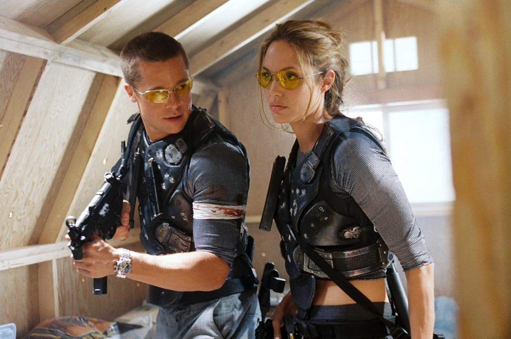 still-of-brad-pitt-and-angelina-jolie-in-mr.-&-mrs.-smith-(2005)-large-picture