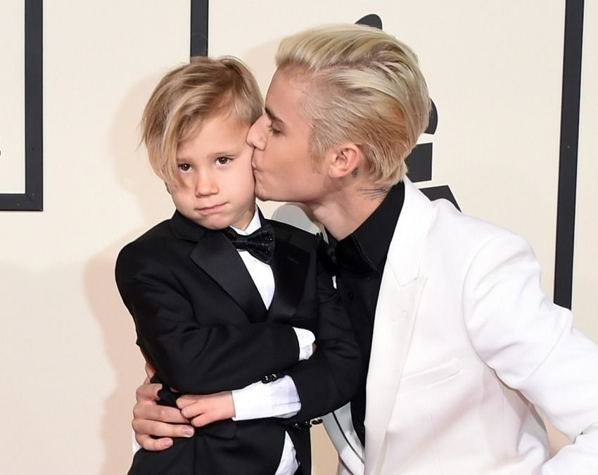 justin-bieber-brother-grammys-01
