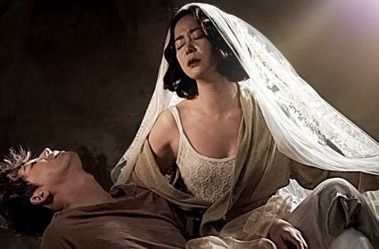 movie-pieta-by-kim-ki-duk-still-mask9